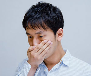 ろれつが回らない-原因-病気-ストレス-薬-副作用-自律神経-頭痛-症状-倒れる-画像.jpg