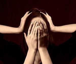 ストレスホルモン-コルチゾール-脳-女性画像.jpg