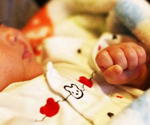 子供の発熱の対処法!4日以上熱が続く時は肺炎を疑え!赤ちゃん画像.jpg